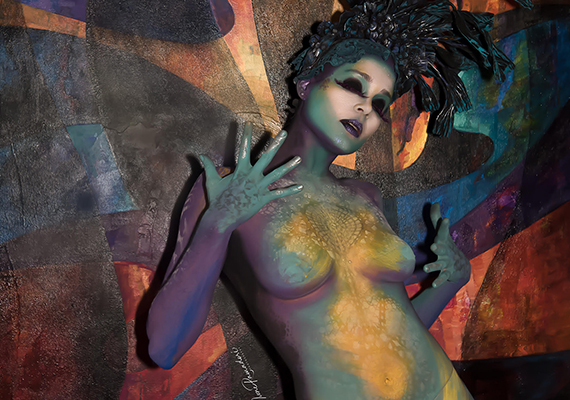El body painting se integra a las obras de AT